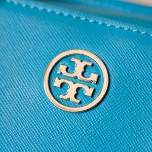 Tory Burch Bags - Tory Burch Robinson Triangle Satchel Tote Handbag